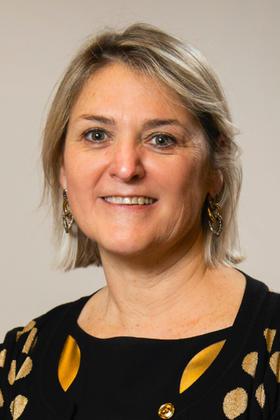 Dr. Anne Dams