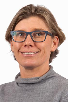 Dr. Annelies Maes