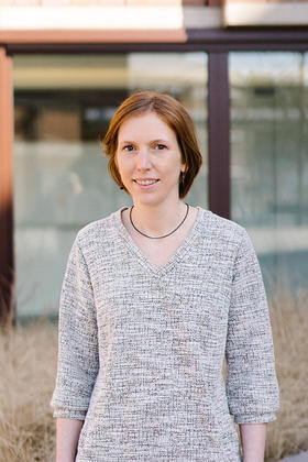 Dr. Carmen Kerkhofs