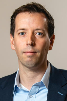 Dr. Dennis André Wicherts