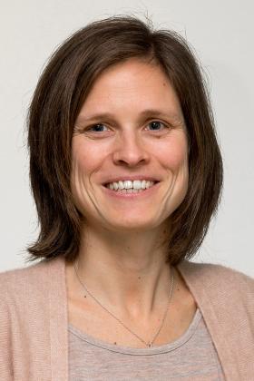 Dr. Eveleen Buelens