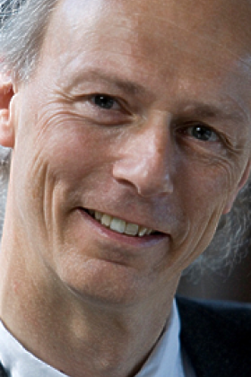 Dr. Herman Schroë