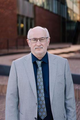 Dr. Jos Vlasselaer