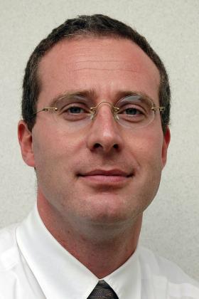 Dr. Koen Engelborghs