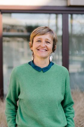 Dr. Nathalie Dhont