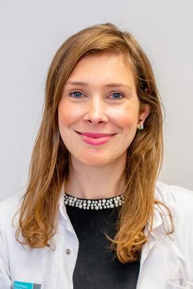 Dr. Nele Czech