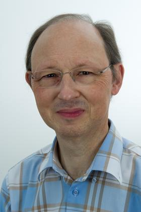 Dr. Patrick Noyens