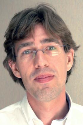 Dr. Ronny Van Loon