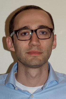 Dr. Xavier  Willaert