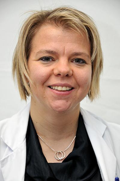 Dr. Evelien Humblet