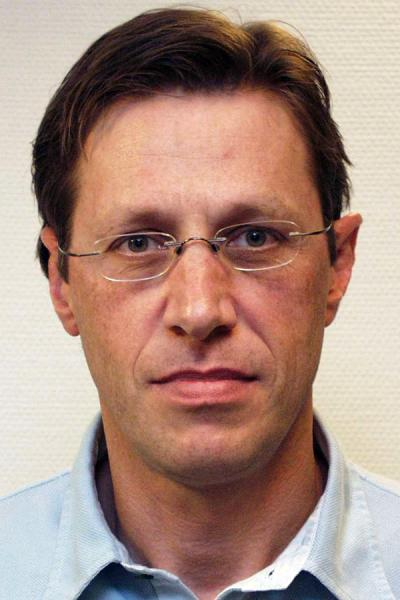 Dr. Ronald Driesen