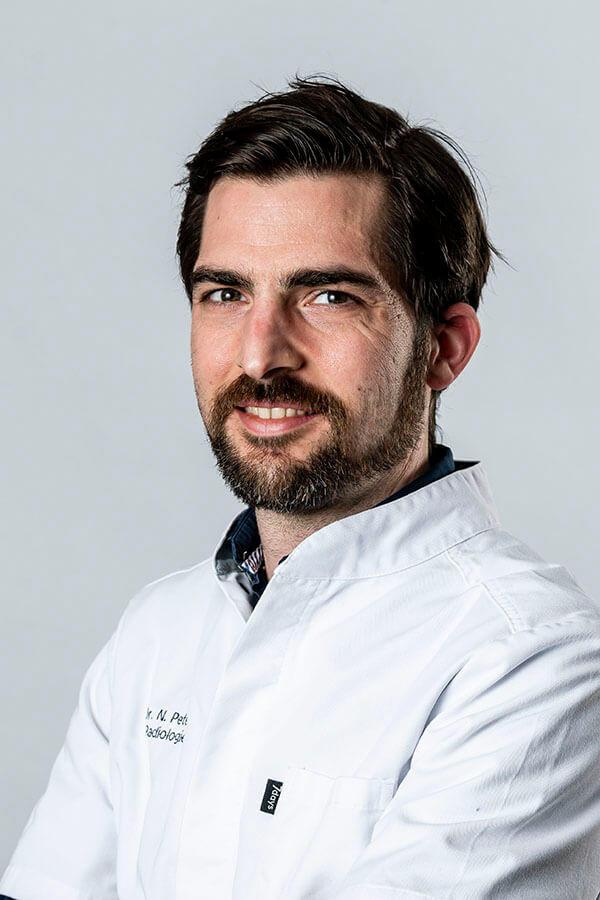 Dr. Niels Peters