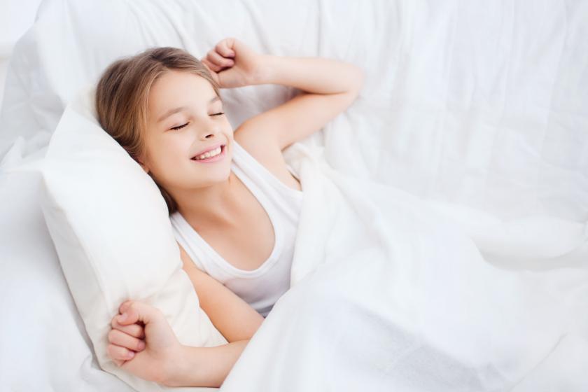 Hoe pak je bedplassen bij kinderen aan?