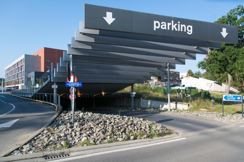 Werken aan bezoekersparking campus Sint-Jan